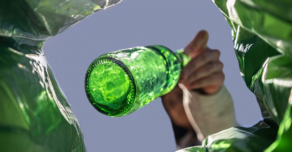 smaltire bottiglie di vetro